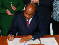 Isiah Leggett signing Executive Order