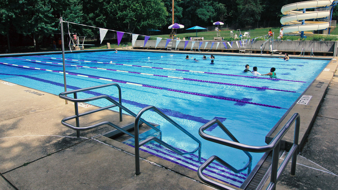 Outdoor pools department of recreation montgomery - Martin luther king jr swimming pool ...